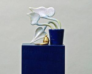 Ud Kaller, Topfpflanze mit Dose und Messer, 2000