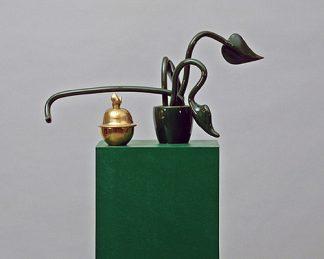 Udo Kaller, Topfpflanze mit goldener Zuckerdose, 2000